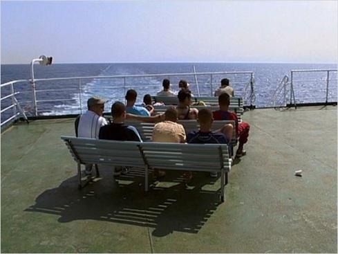 Les boat-people voyagent en 1ere classe.